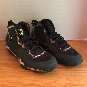 Nike Air Penny V Camo Shoes Size 8.5